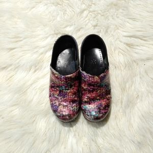 Knitted Yarn Pattered Dansko shoes